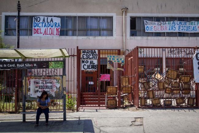 Escuela municipal Santo Domingo de Guzmán. Foto: Cerro Navia cierra sus colegios