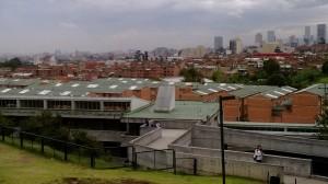 El Colegio Distrital José Celestino Mutis y su entorno. Foto: Lizeth López