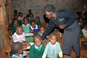 """Una escuela privada """"low cost"""" de la Bridge International Academy, en Nairobi, Kenia. Foto: GPE/Mediabase"""