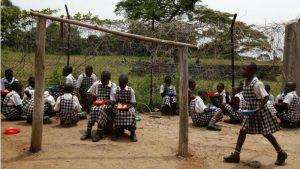 Escola em Uganda. Foto: Reuters